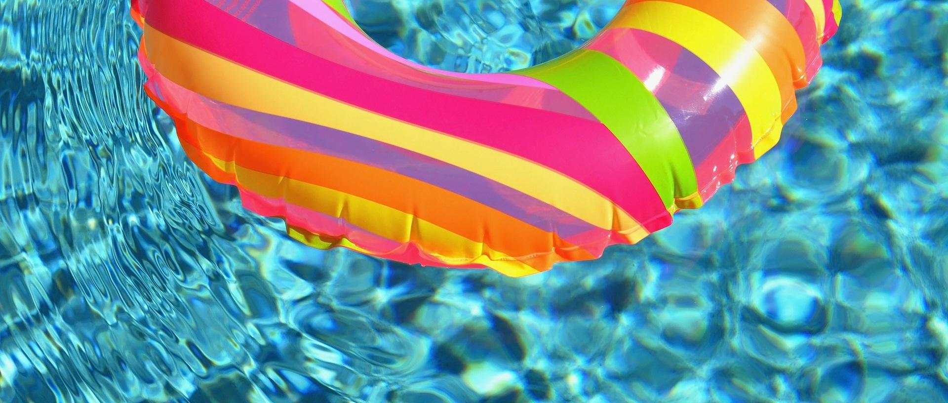 Bazén a různé roční období